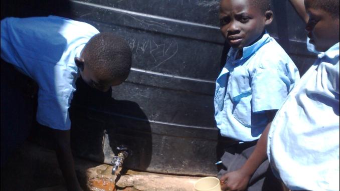 Trinkwasser für die Magongo Schule in Kenia